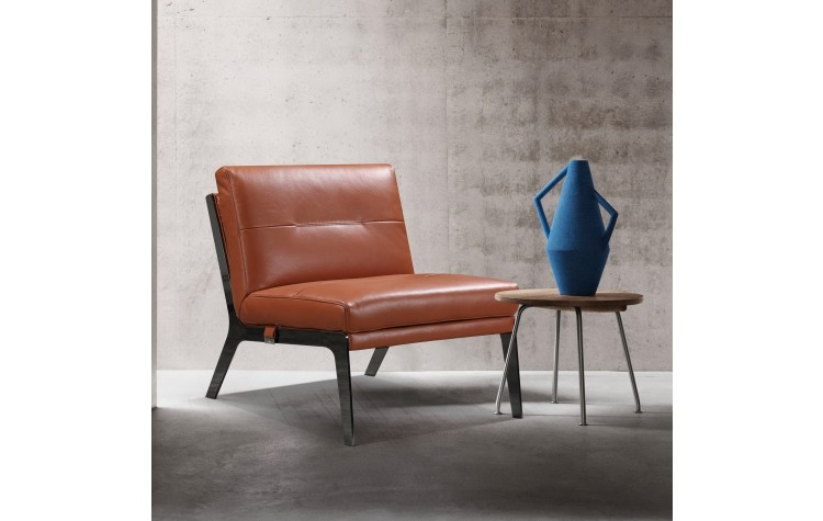 C81 - Camel Leather Accent Chair