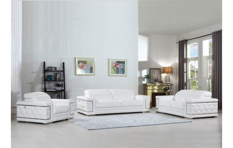 692 - White Sofa Set