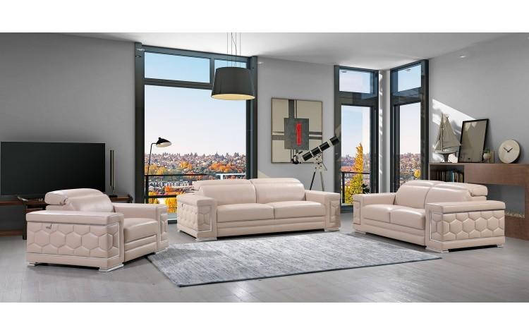 692 - Beige Sofa Set