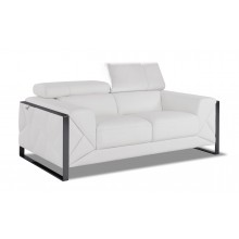 903 - White Loveseat